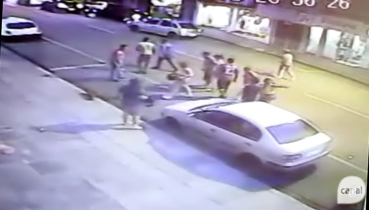 Imagens flagram briga no centro de Vacaria