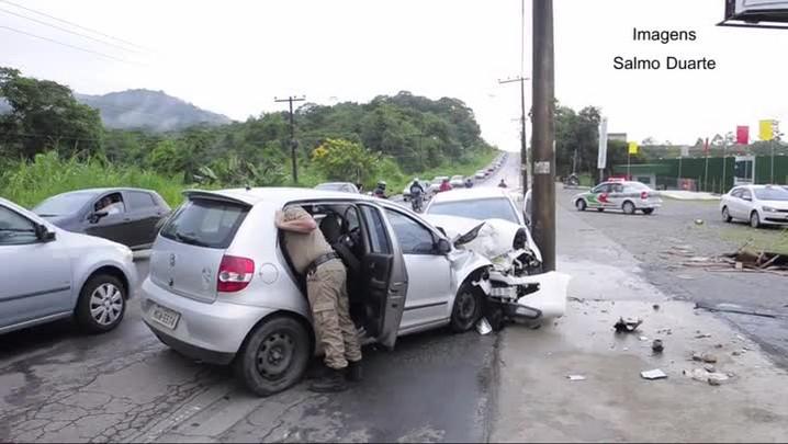 Duas pessoas ficam feridas em acidente na zona Norte de Joinville