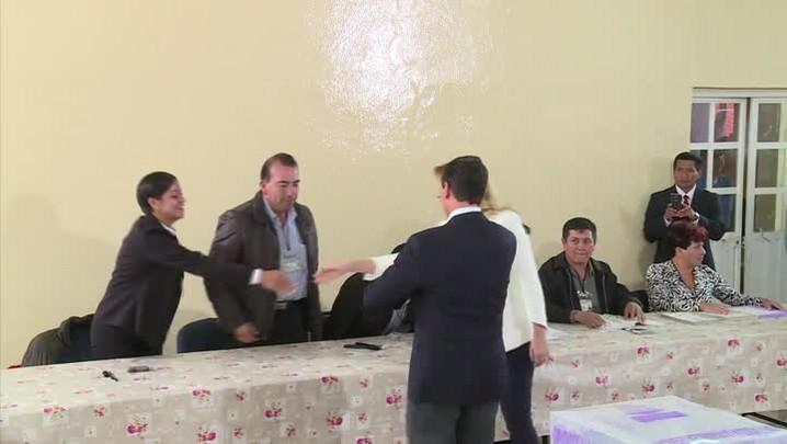 Partido governista vence eleições apesar de atos no México