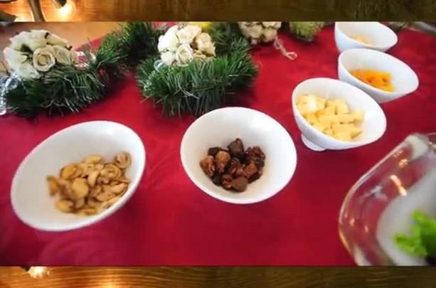 Chef de cozinha de Santa Maria ensina a fazer uma salada para o Natal