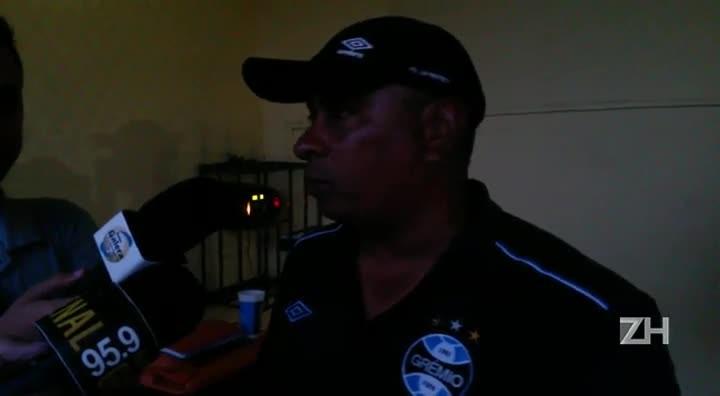 """Técnico do Grêmio fala sobre presença de Roger no empate: \""""Motivação\"""""""