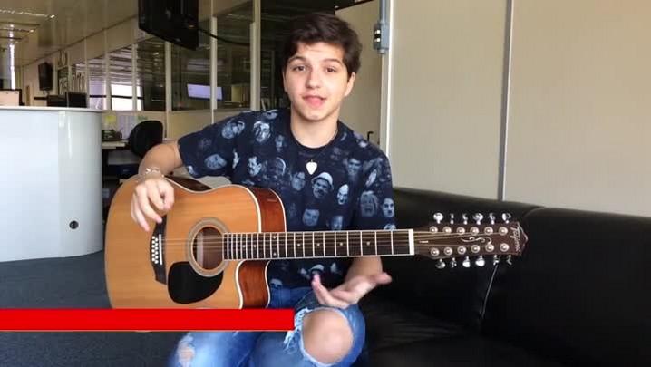 Sétimo gaúcho classificado no The Voice Kids solta a voz no Retratos da Fama