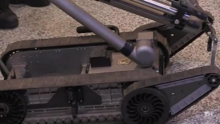 Robô reforça segurança no Rio