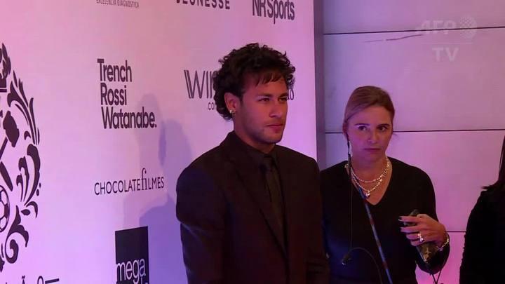 Instituto Neymar Jr. reúne estrelas em leilão
