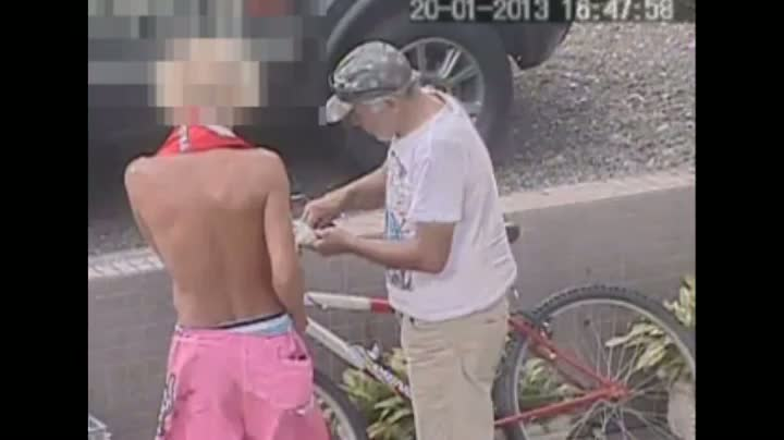 Câmera flagra tráfico de drogas em Capão da Canoa