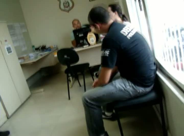 Imagens cedidas pela DEIC da prisão da advogada Fernanda Freitas