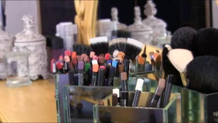 Danilo Aranha apresenta o StudioD Escola de Maquiagem
