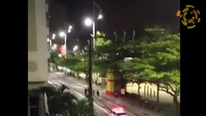 Agentes de Trânsito de Balneário Camboriú punem rapazes por vandalismo