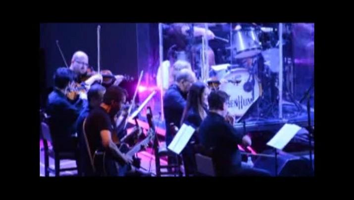 Nenhum de Nós e Orquestra da Ulbra lotaram Clube Dores