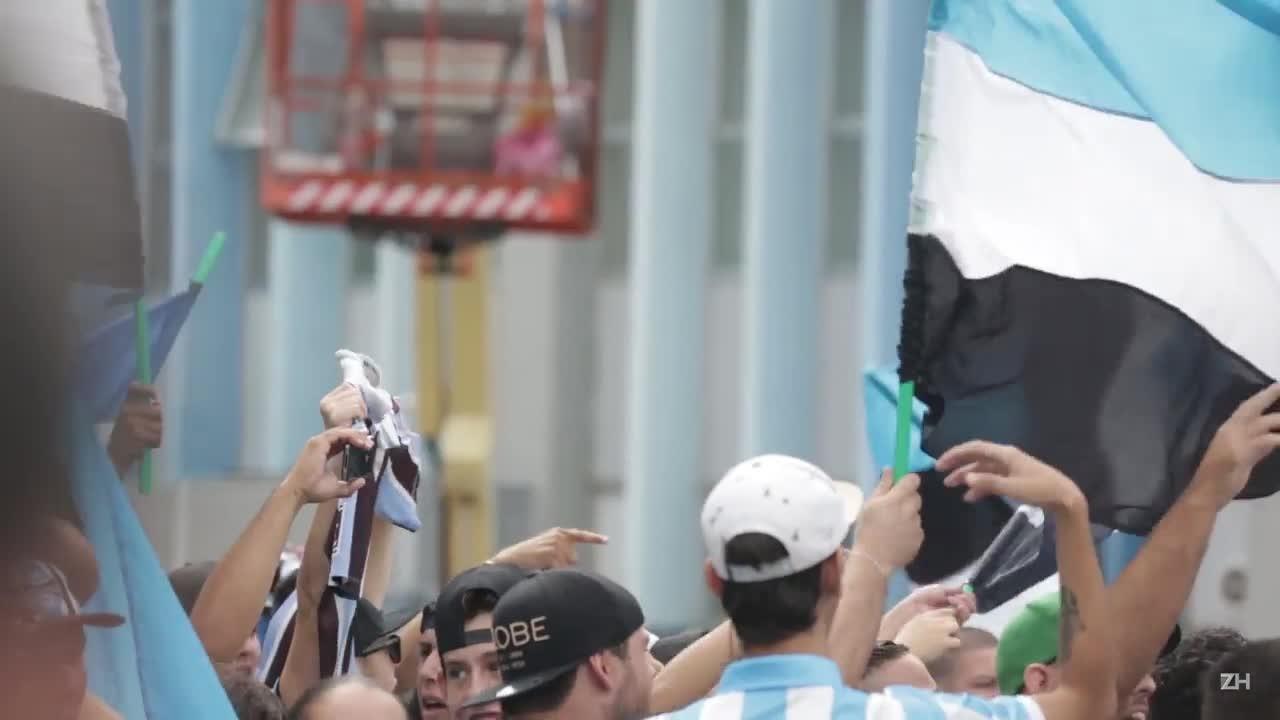 Festa gremista para a chegada de Cristian Rodríguez