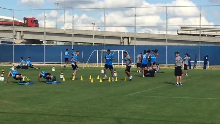Roger participa de treino físico da pré-temporada