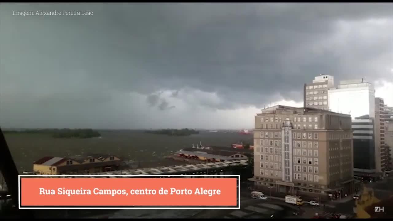Temporal causa estragos em Porto Alegre