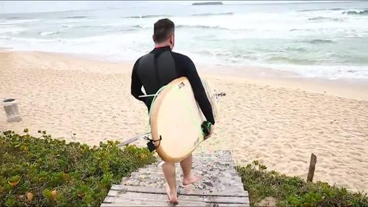 Surfe com DC: Porã aceita o desafio de surfar na Praia Mole