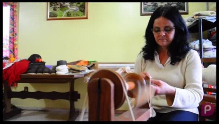 Cleunice Cardoso é tecelã em São Francisco de Paula