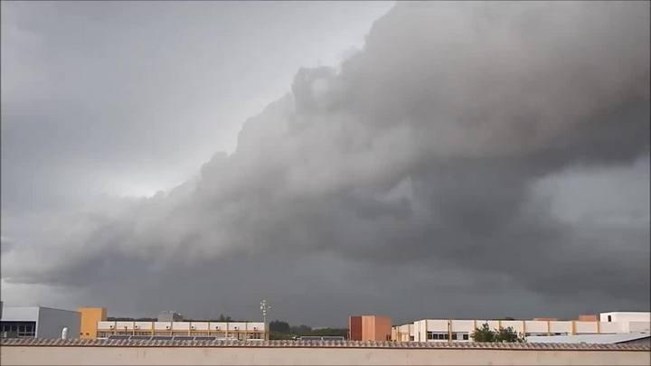 Confira a chegada da tempestade em Santa Maria