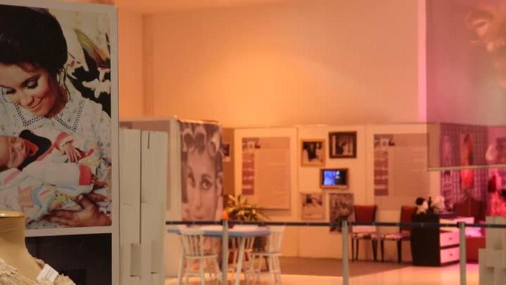 Confira detalhes da exposição de Regina Duarte no Continente Shopping