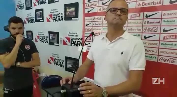 Roberto Melo não garante permanência de Zago