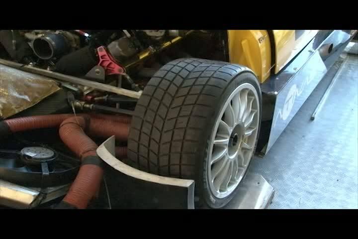 Carros e Motos - Fique por dentro da estrutura e logística para colocar um carro de Stock Car na pista - Bloco 2 - 26/05/2013