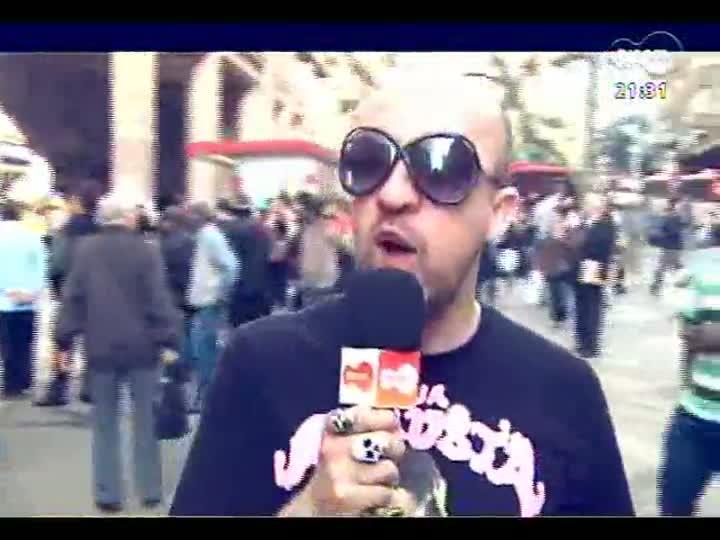 TVCOM Tudo Mais - DR na TV: Fabrício Carpinejar pergunta o que as pessoas querem manifestar em relação ao amor
