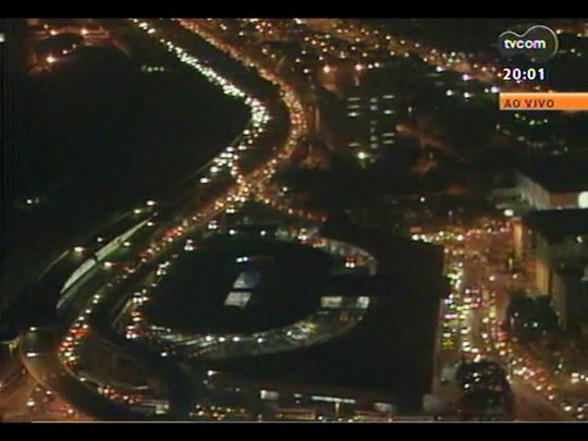 TVCOM 20 Horas - O movimento nas estradas na véspera do feriado de Páscoa - Bloco 1 - 17/04/2014