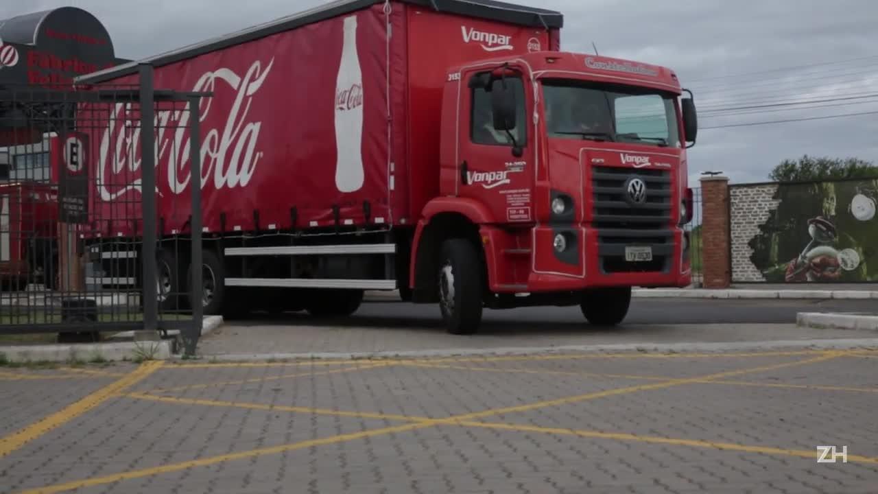 Veja a caravana que trouxe o Papai Noel