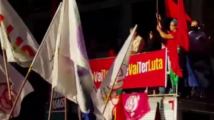 Apoiadores de Lula fazem ato no Centro da Capital