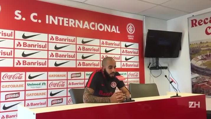 """Danilo Fernandes fala em \""""acabar o ano com dignidade\"""""""