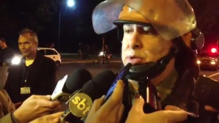 Coronel Godoy fala sobre o trabalho da BM durante o protesto. 17/06/2013