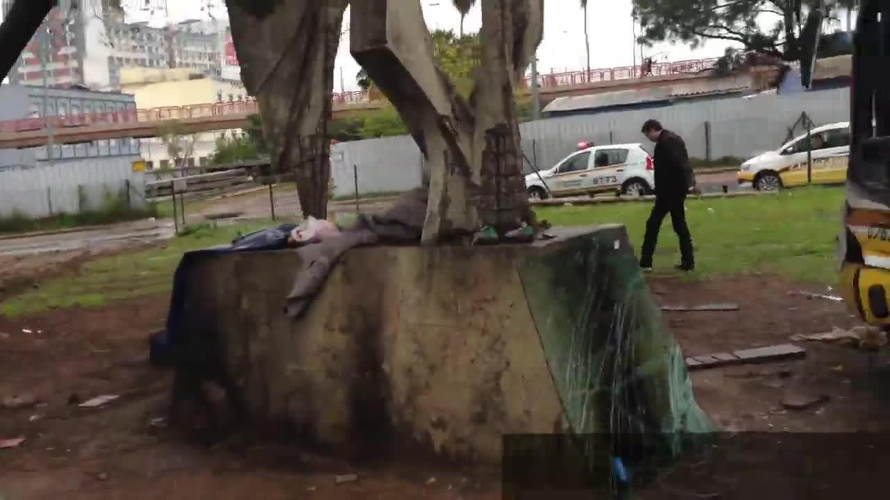 Acidente com ônibus deixa seis feridos em Porto Alegre. 28/09/2013