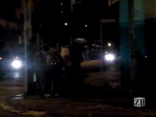 Repórter flagra confusão no centro de Porto Alegre