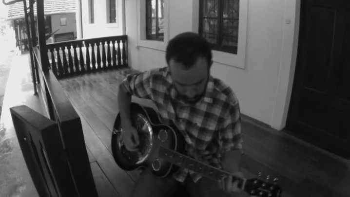 Conheça Leo Maier, músico de blues que é sucesso na noite blumenauense