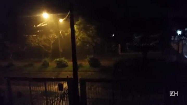 Chuva de granizo na Avenida Oswaldo Cruz