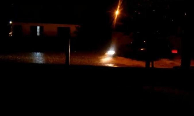 Moradora registra chuvarada no bairro Camobi em Santa Maria