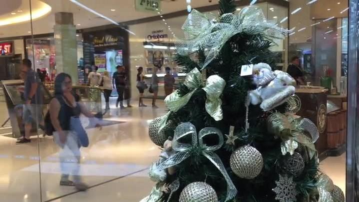 Ações e decoração de shoppings indicam o começo do Natal