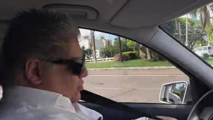 Professor dirige Uber para fazer pesquisa