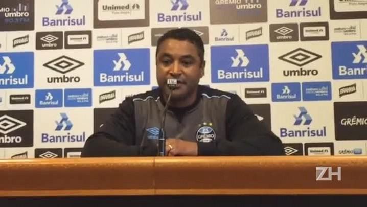Roger fala sobre entrada de Henrique Almeida no Grêmio