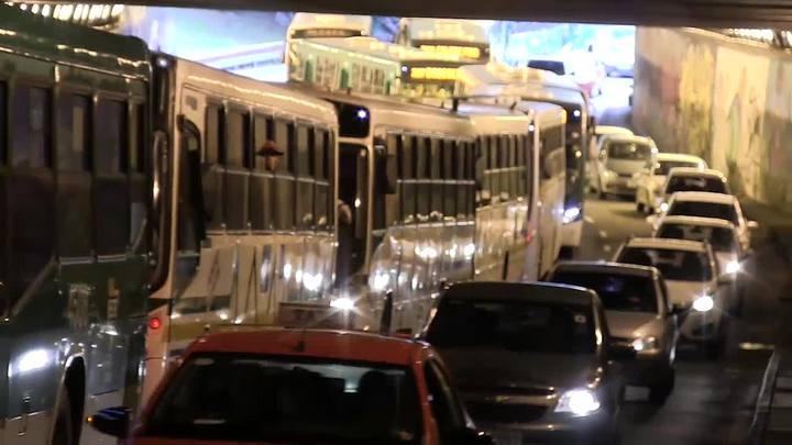 Protestos causam transtornos no centro de Porto Alegre