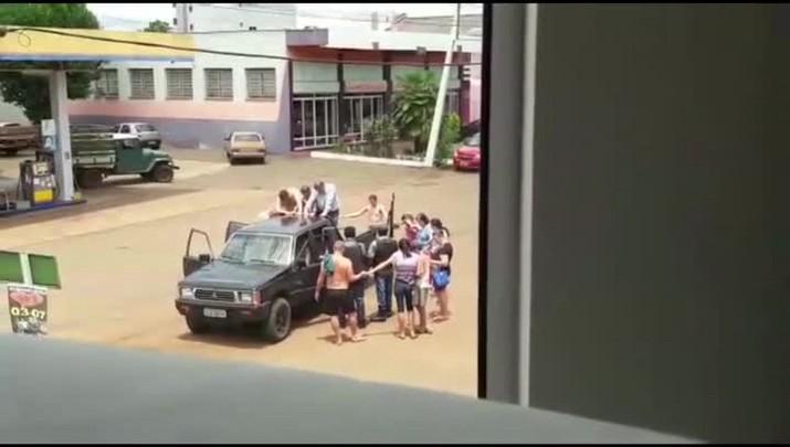 Criminosos fazem reféns e assaltam dois bancos em Maximiliano de Almeida, no Norte do RS