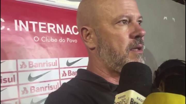 Zago elogia regularidade do Inter em estreia