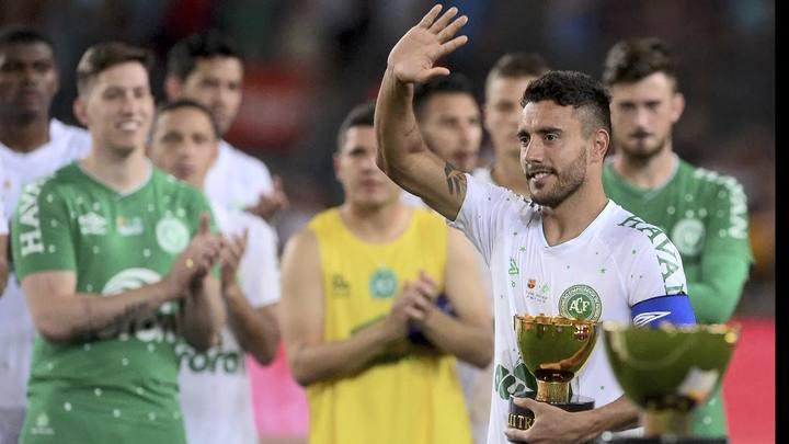 No retorno de Ruschel, Chape perde para Barça