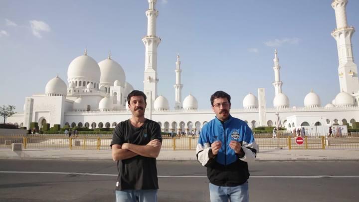 Santaninha chega aos Emirados Árabes