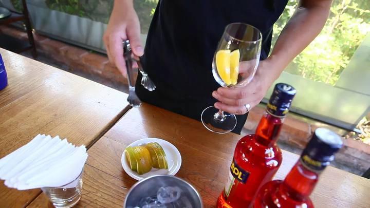 Confira como fazer um Spritz Aperol