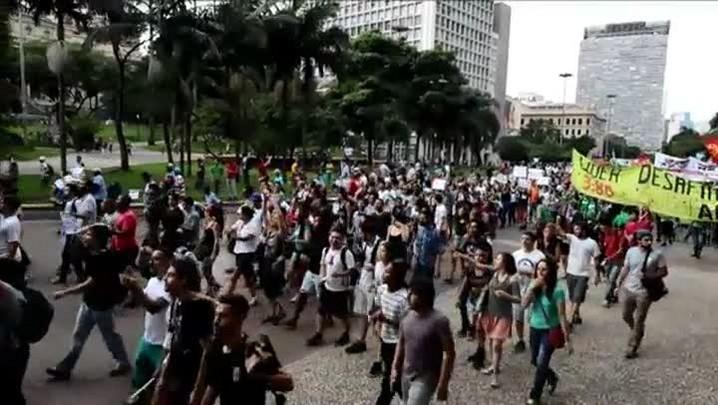 Protestos terminam em confrontos no Rio e SP