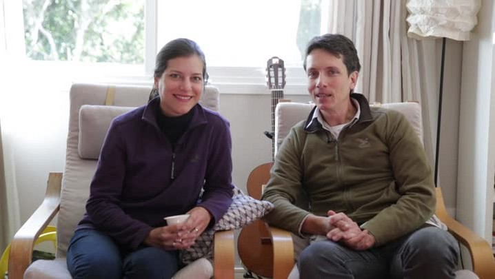 Casal de Florianópolis vai cruzar os Alpes de bicicleta com as filhas