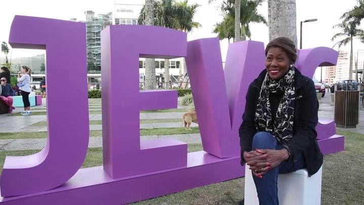 JEWC: conheça a história da consultora empresarial e escritora Michele Hunt
