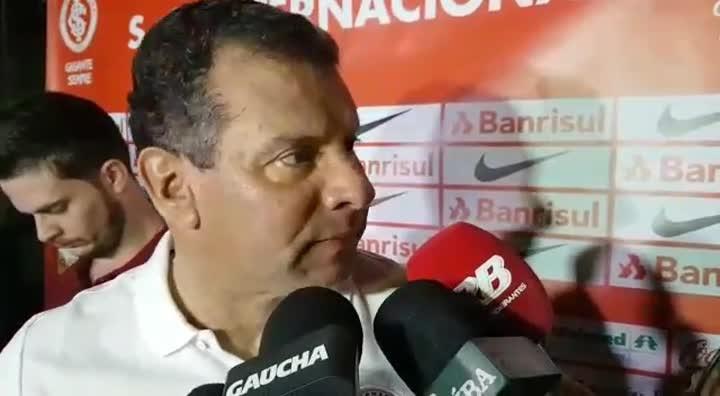 Roth fala sobre derrota para o Santos e situação no Brasileirão