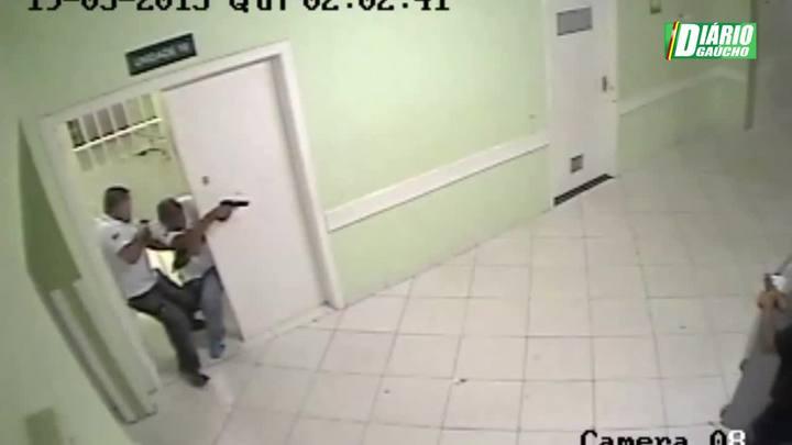 Imagens mostram troca de tiros em hospital da zona sul de Porto Alegre