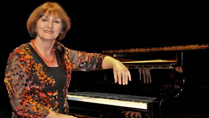 "\""A Canoa Virou\"", de Villa-Lobos, com a pianista Olinda Allessandrini"