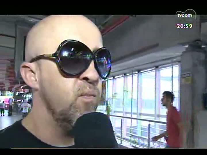 TVCOM Tudo Mais - DR na TV: Fabrício Carpinejar vai ao camelódromo de Porto Alegre