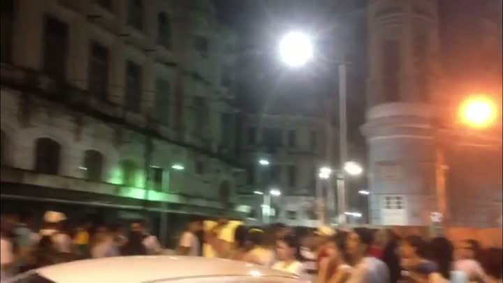 "\""Recife acordou\"", gritam manifestantes em Pernambuco - 20/06/2013"